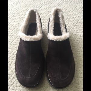 White Mountain brown suede slip on clogs NWOT's.